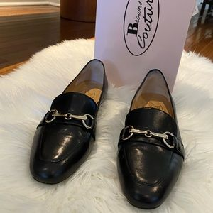 Ladies Browns Couture Black with Gold Hardware Loafers size 37. (7)